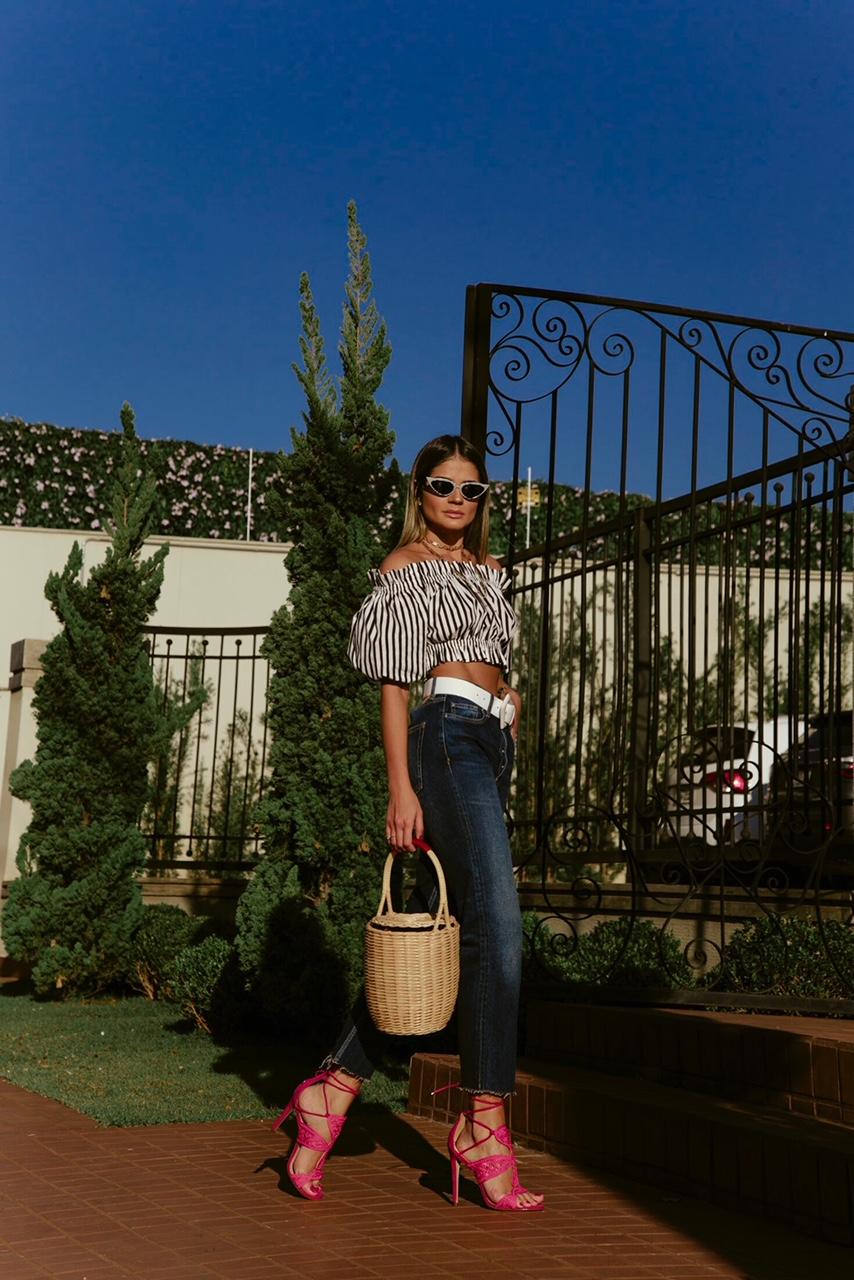 Calça Jeans e Cropped_Sandalia Cecconello_Thassia Naves1