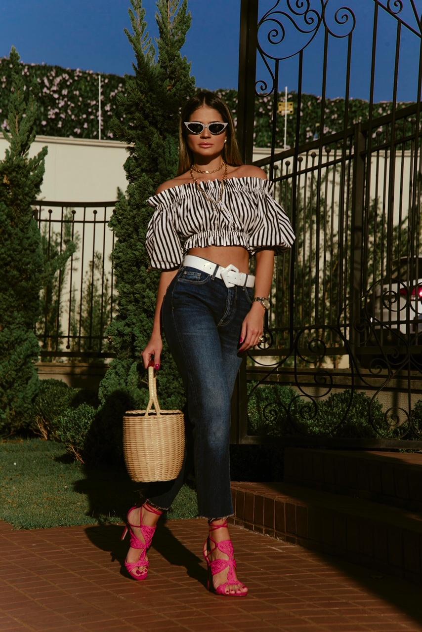 Calça Jeans e Cropped_Sandalia Cecconello_Thassia Naves2