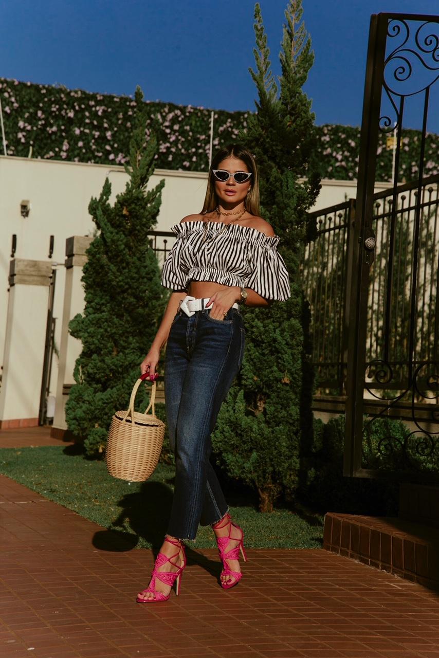 Calça Jeans e Cropped_Sandalia Cecconello_Thassia Naves4