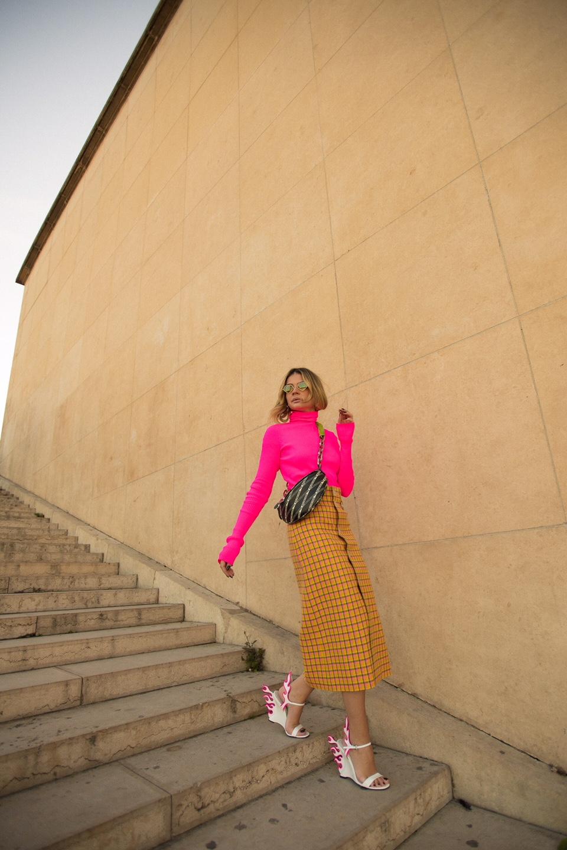 Thassia de Neon em Paris3