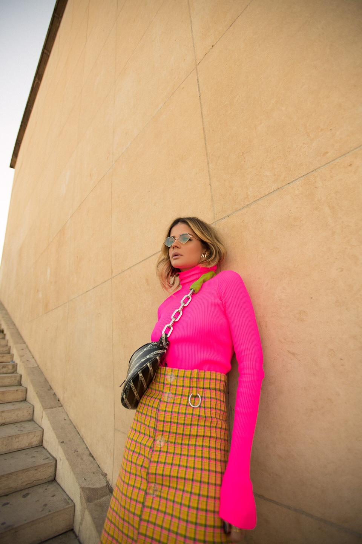 Thassia de Neon em Paris4