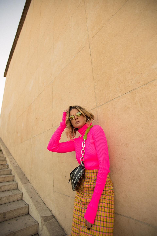 Thassia de Neon em Paris5