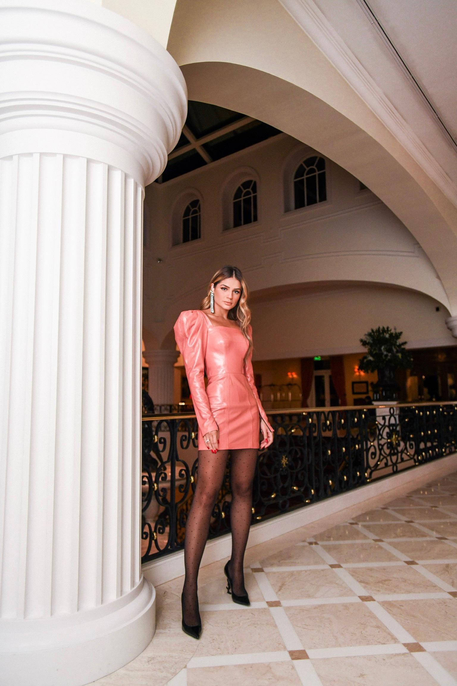 Thássia Portugal vestido 80