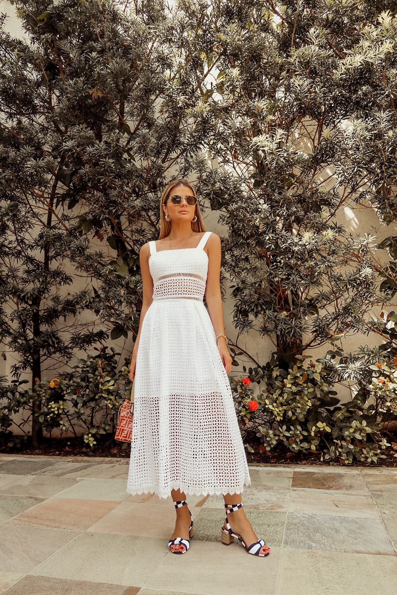 f795e9080 OUTFIT OF THE DAY: MIDI-LENGTH WHITE DRESS – Thássia Naves