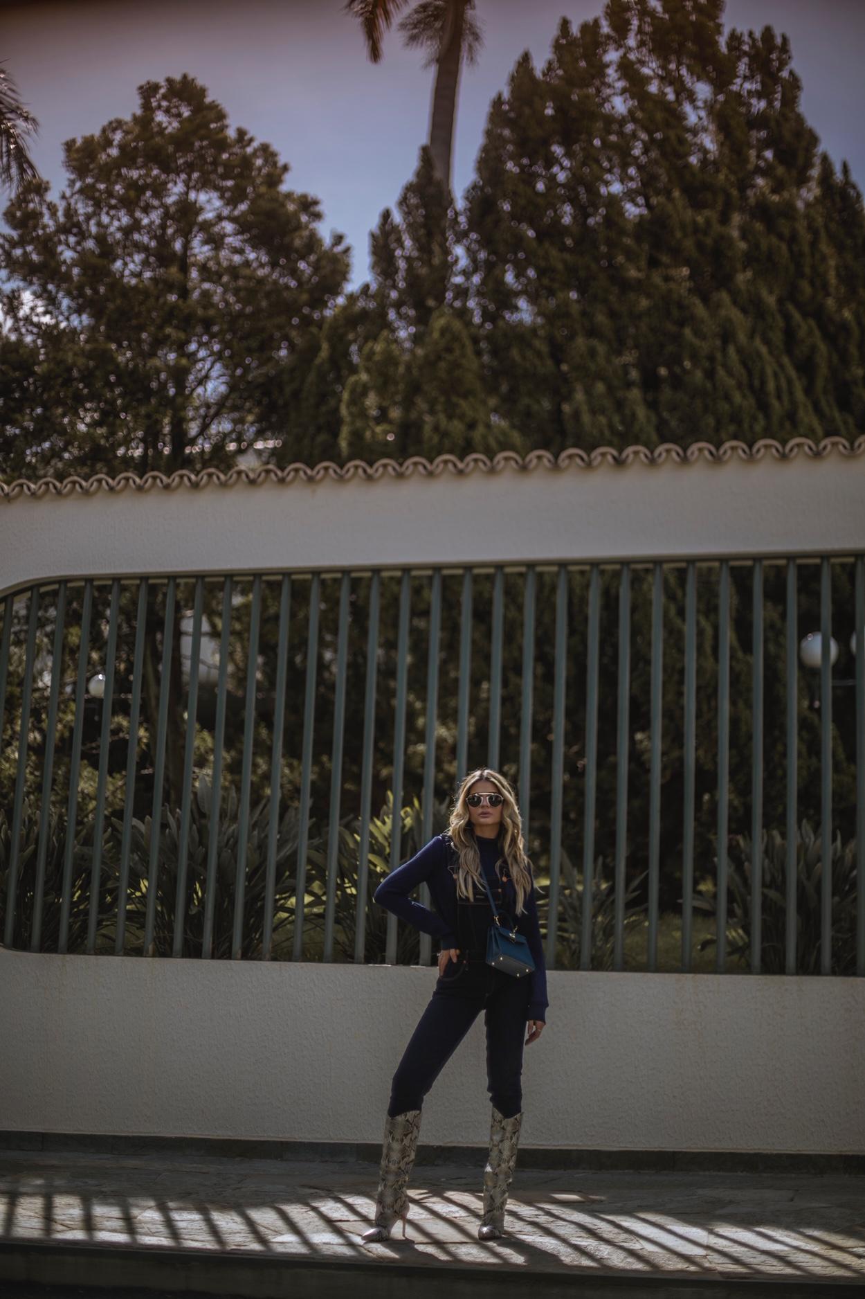 Thássia jardineira jeans Damyller 2