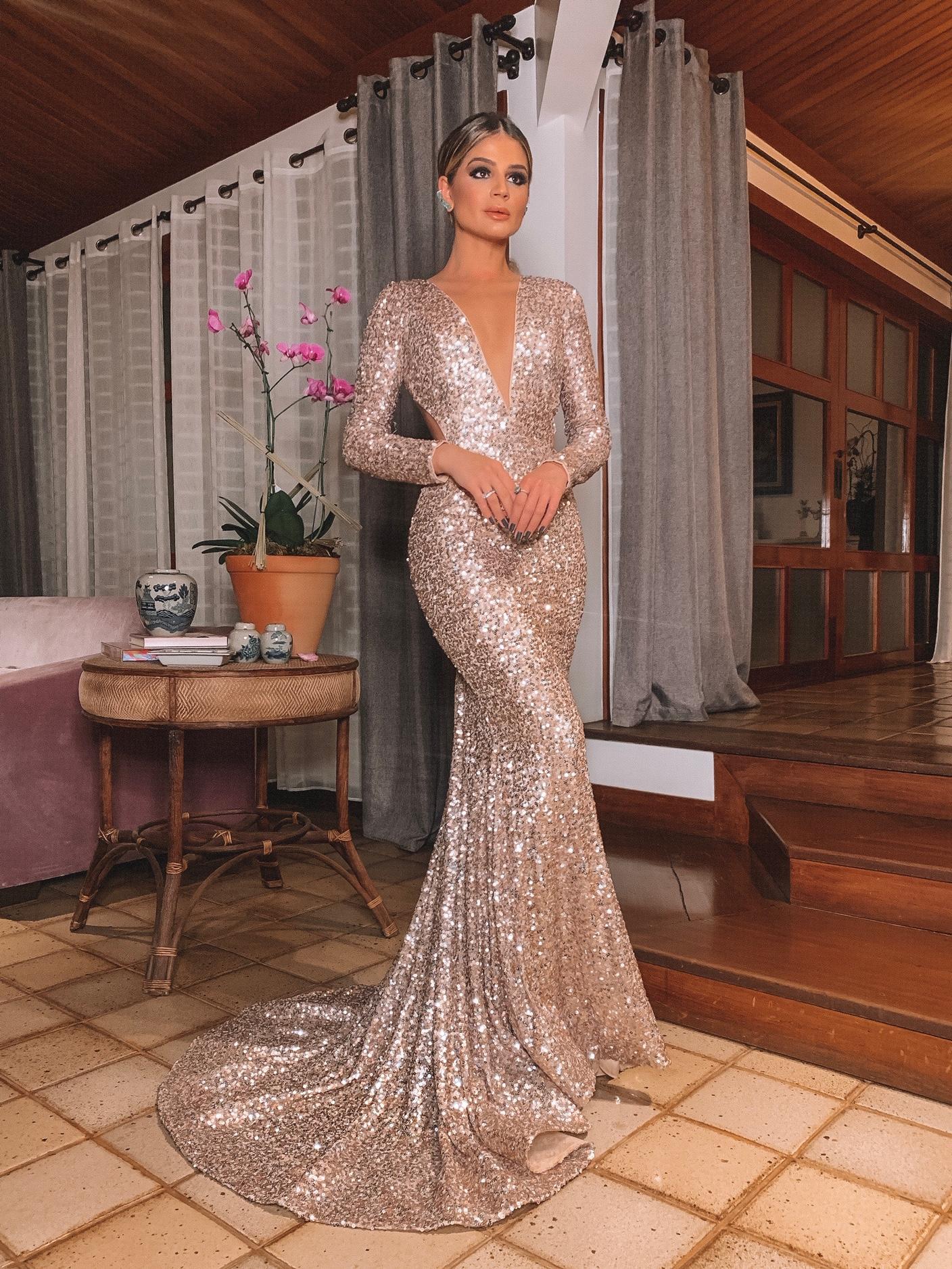 Thássia vestido dourado paetês Agilitá 7