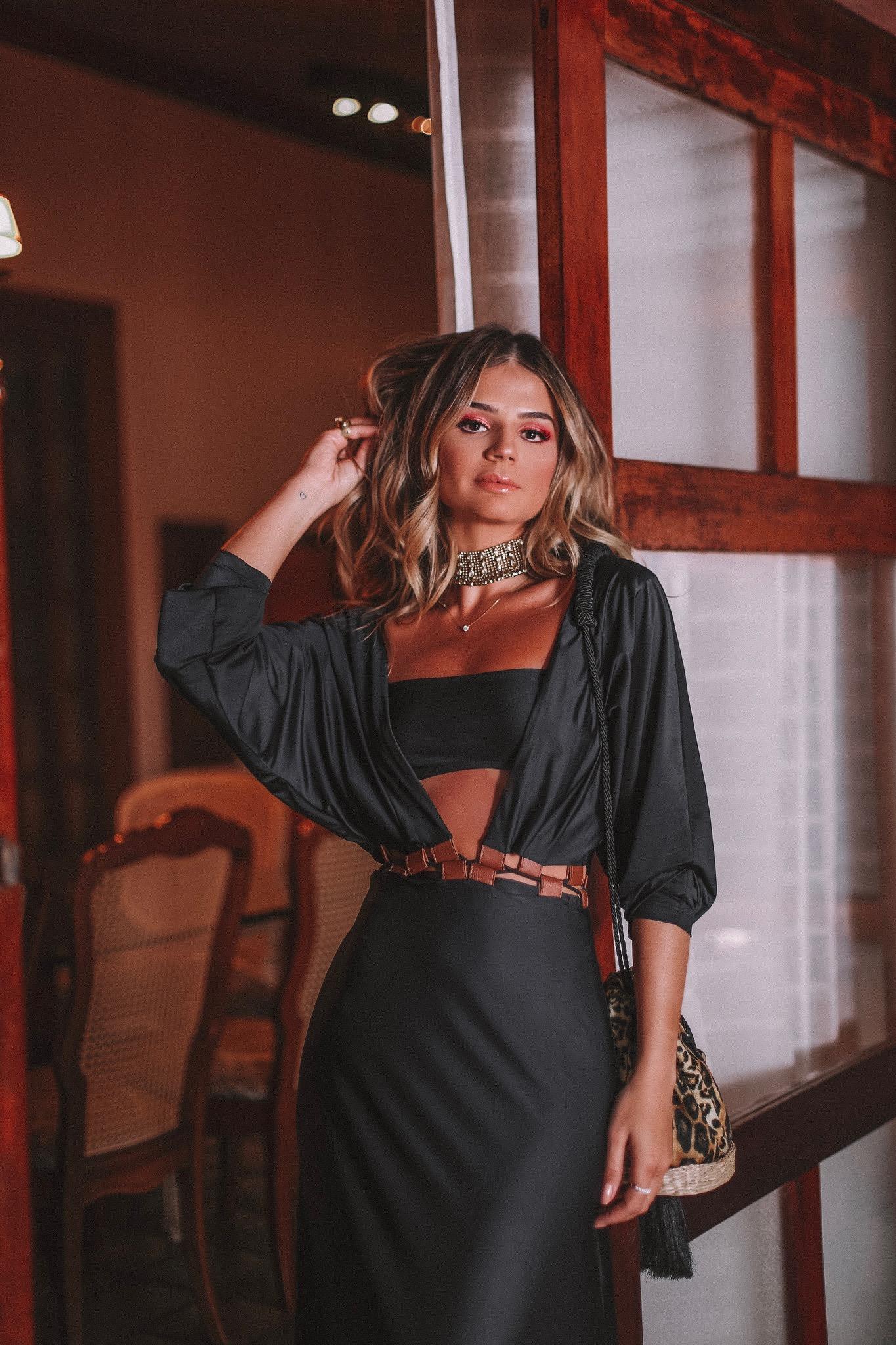 Thássia vestido preto água de coco 3