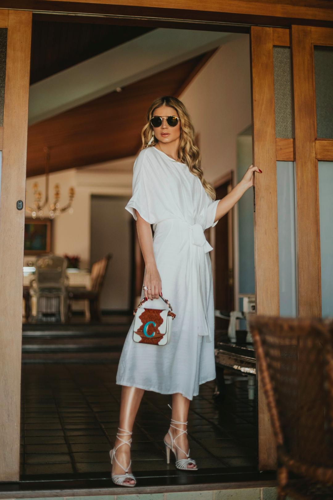 Thássia vestido branco skazi