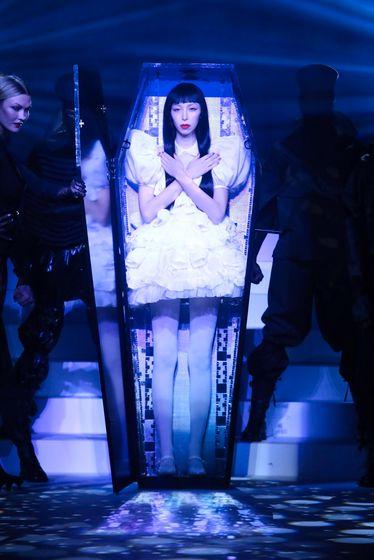Jean-Paul-Gaultier-Haute-Couture-SS20-Paris-4375-1579728521